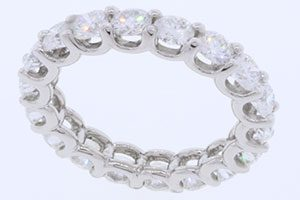 high-end jewelry retouch service